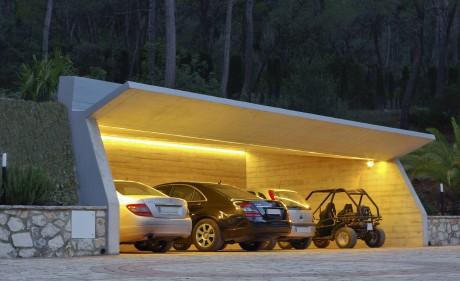 parking integrado en la naturaleza
