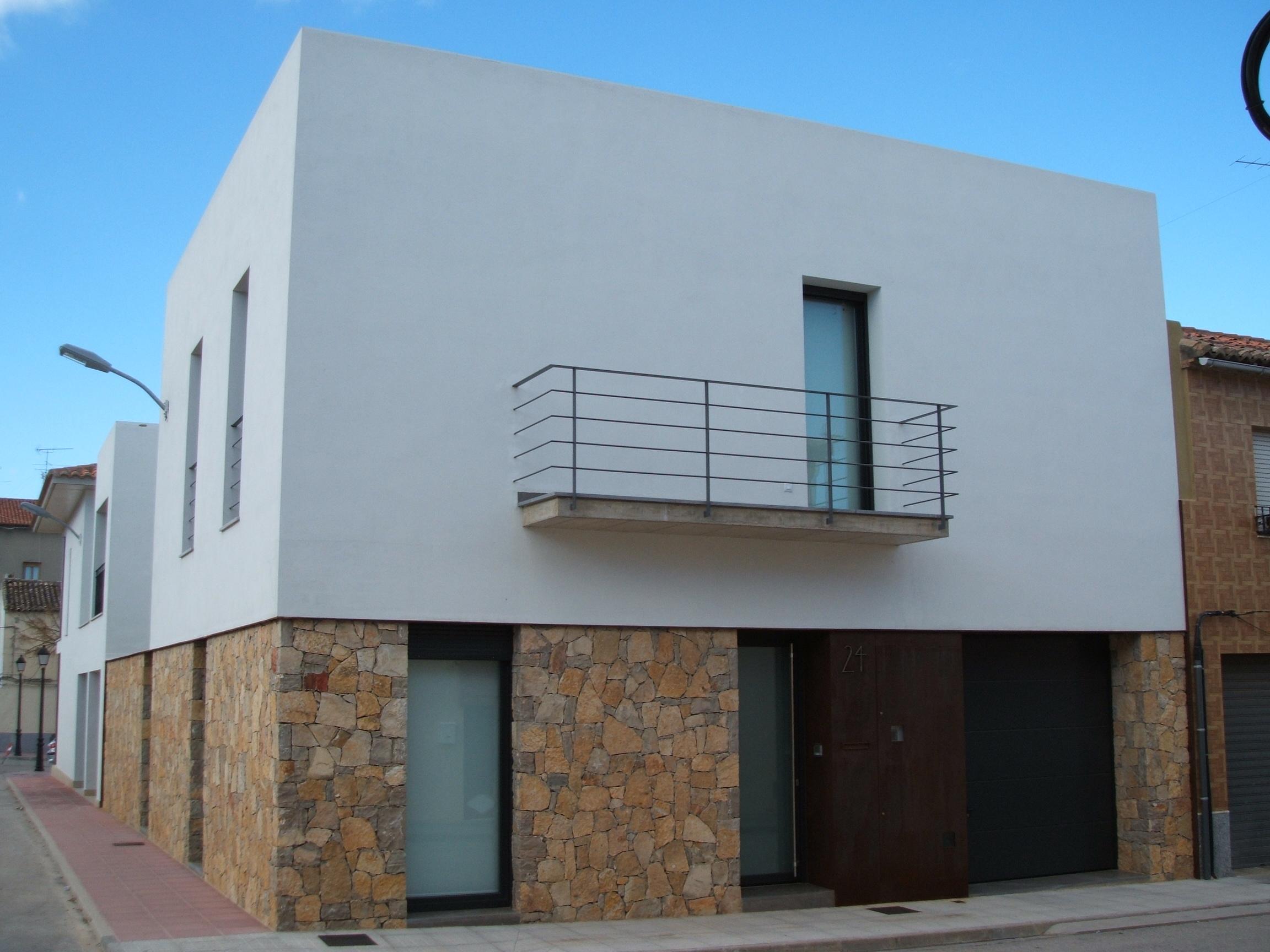 Servicios construcciones guaita for Fachadas casas unifamiliares